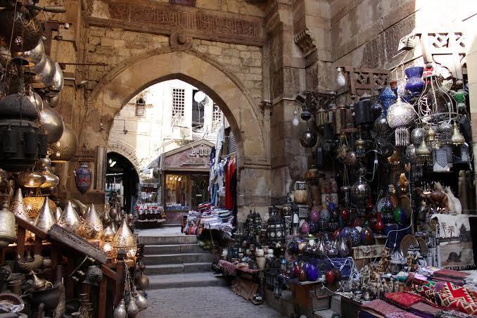 Bazar Khan El Kholili dan Masjid Husein