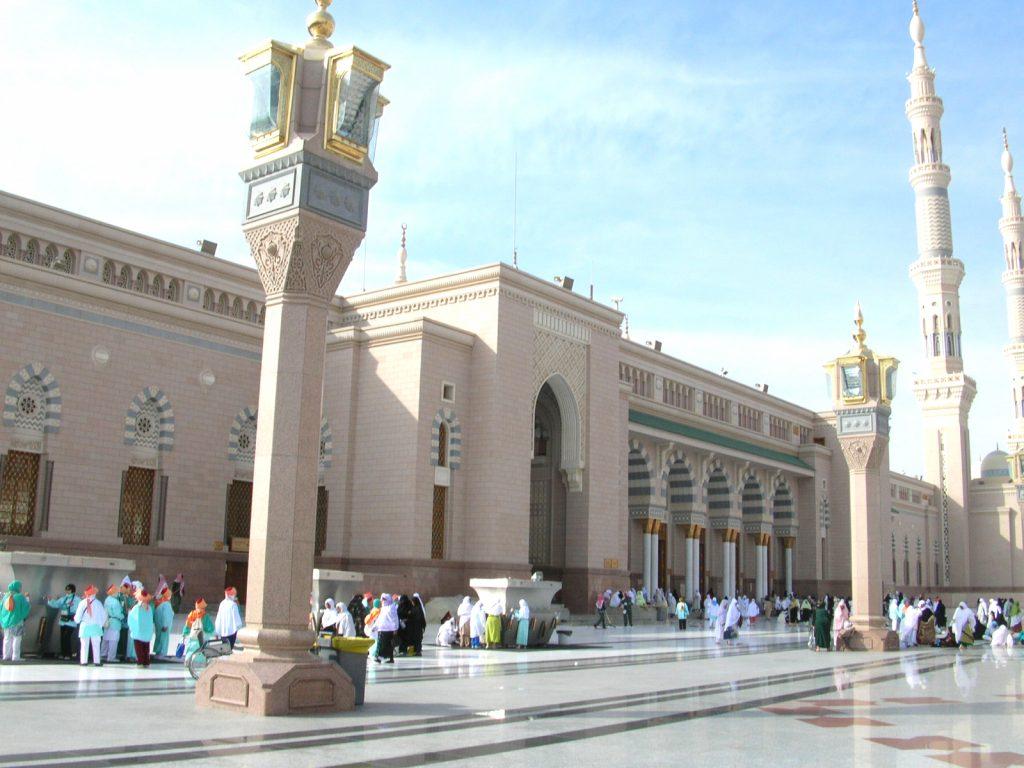Masjid Nabawi Pintu Jamaah Perempuan
